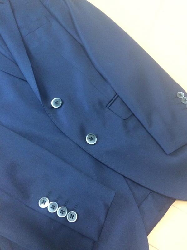 ナノユニバースのスーツ ステッチ