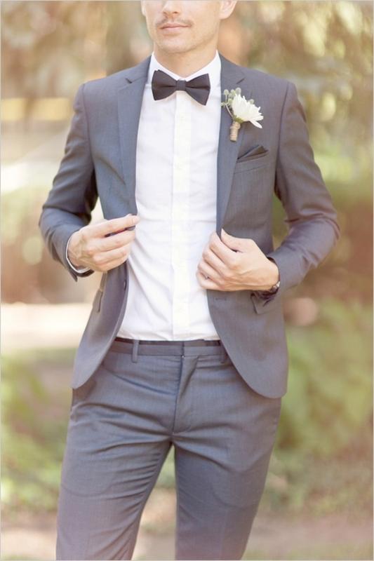 結婚式二次会のスーツ 着こなし