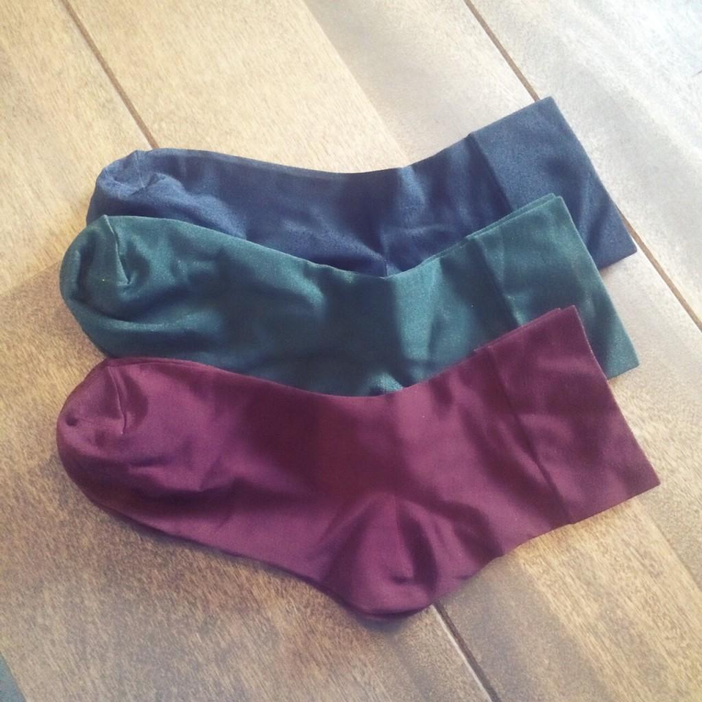 17℃ 靴下 ソックス コーデ シルク ボルドー 赤 深緑 ネイビー おしゃれ 人気 可愛い