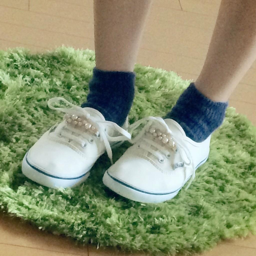 17℃ 靴下 コーデ 青 ブルーモヘア スニーカー  シューズ アクセ おしゃれ 大人 可愛い