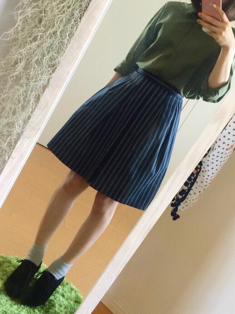 17℃ 靴下 秋 コーデ  おしゃれ 可愛い 人気 おすすめ カジュアル スカート シャツ